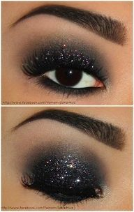 "This is sooooo fricking dazzling - not just your ordinary smoky eye! Yumemi used Sugarpill Bulletproof, Tako, and Lit glitter to create this stunning ""Night Life"" look. - Beauty Darling"