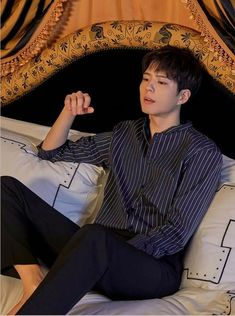 Park Bo Gum | TNGT SS 2019 | #ParkBoGum Park Bo Gum Cute, Dramas, Anime Crying, Park Go Bum, Lee Bo Young, Celebrity Singers, Yoo Ah In, Boyfriend Crafts, Boy Character