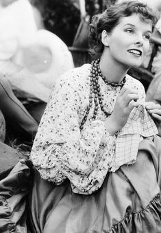 A young Katharine Hepburn Old Hollywood Glamour, Hollywood Actor, Golden Age Of Hollywood, Vintage Hollywood, Hollywood Stars, Classic Hollywood, Hollywood Divas, Hollywood Icons, Hollywood Actresses