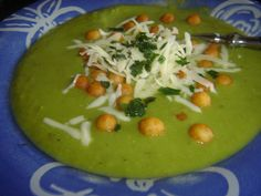 Czech Recipes, Ethnic Recipes, Guacamole, Thai Red Curry, Tacos, Soup, Rice, Treats, Fruit