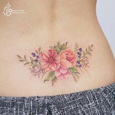 Silo tattoo 블루베리와 꽃 Blue berry and flower -   #꽃타투 #꽃 #수채화타투 #아로새기다타투 #아낙림 #타투…