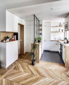 17 Maneras de convertir un departamento de un solo ambiente en un estudio acogedor Kitchen Design Small Space, Rental Home Decor, Living Room Flooring, Kitchen Design, Simple House, Flooring, Living Room Decor Rustic, Appartment Decor, Apartment Kitchen