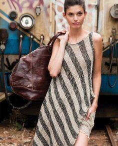 Decidiendo nuevas marcas... #Showroom #outlet #lookdecarrie C.C. Monteclaro Pozuelo de Alarcón   #multimarca #lowcost  #tienda #ccmonteclaro #Bloggers #fashion #vogue #elle #estilo #model #moda #look #moda #rebajas #fashionbloggers #fabulosa #woman
