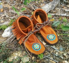 moccasins Beaded native American buffalo bison leather by Yukpa