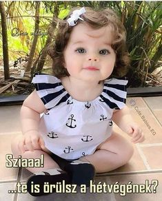 Very Cute Baby, Cute Baby Boy, Cute Little Baby, Baby Boy Suit, Cute Kids Pics, Cute Baby Girl Pictures, Beautiful Children, Beautiful Babies, Beautiful Baby Images
