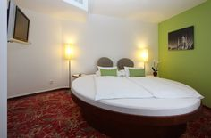 """Themenzimmer """"Rundes Bett"""" / Themed Room """"Round Bed"""" Round Beds, Das Hotel, Room Themes, Future, Home Decor, Little Cottages, Future Tense, Decoration Home, Room Decor"""