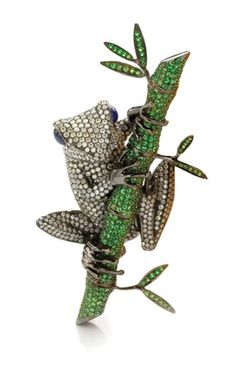 Important Estate Jewelry - Sale 08JL02 - Lot 3144 - Doyle New York- Diamond, Green Garnet and Sapphire Frog Clip-Brooch