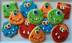 halloween cookies Monsters can be cute too! Pumpkin Sugar Cookies Decorated, Halloween Cookies Decorated, Ghost Cookies, Halloween Sugar Cookies, Halloween Cupcakes, Thanksgiving Cookies, Fall Cookies, Cookies For Kids, Iced Cookies