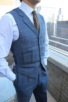Bespoke suits are the gold standard in tailoring and Savile Row boasts the top cutters in the industry. Semi Formal Outfits, Waistcoat Men, Bespoke Clothing, Look Man, Casual Wear For Men, Smart Outfit, Bespoke Tailoring, Classy Casual, Sharp Dressed Man