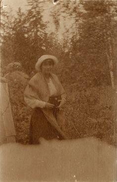 Anastasia - House arrest - Tsarskoe Selo - 1917. Photo damaged and double exposed ?
