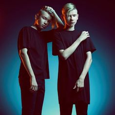 *inspired by 'Angus, Thongs and perfect snogging'*Graces life turns into one big mess after two boys join the school. She falls for one. But he is just so hard to get. Cute Twins, Cute Boys, Marcus Y Martinus, Bars And Melody, Celebrity Singers, I Go Crazy, Ring Doorbell, Fans, Bobby Brown