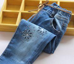 Encontre mais Jeans Informações sobre Bebê meninas denim calças de jeans meninas bonito recorte flor calças…