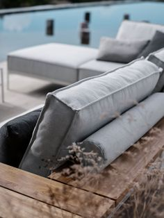 TRAY Garden sofa Tray Collection by Gloster design Henrik Pedersen