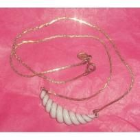 Vintage Gold & White Thermoset Necklace! Marked 'AVON' FREE SHIPPING! PRICE REDUCED! $4.99