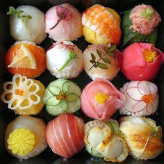 Cute Food, Yummy Food, Dessert Chef, Sushi Donuts, Japanese Food Sushi, Sushi Art, Sushi Recipes, Exotic Food, Food Decoration