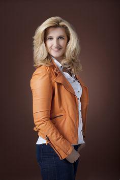 Grażyna Piotrowska-Oliwa, CEO Virgin Mobile Polska. Najnowsza sesja wizerunkowa dla Virgin Mobile Polska. Fot. Paweł Krzywicki/ Virgin Mobile Polska. http://pawelkrzywicki.com/