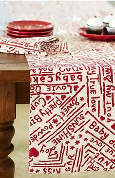 Fun Valentine's Day Table Runner  http://rstyle.me/n/d8htnnyg6