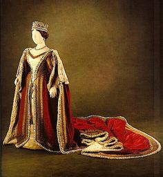 1838-1851 Parliament robes of Queen Victoria.  Queen Victoria was short, but portraits don't show that. This dress does.