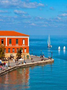 Chania Old Venetian Harbor #TheHotelgr