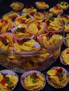 cornflakes madu Pudding, Cookies, Desserts, Food, Biscuit, Crack Crackers, Tailgate Desserts, Deserts, Custard Pudding