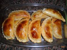Empanadas de mondongo al horno Argentina Food, Argentina Recipes, Hot Dog Buns, Sausage, Food Porn, Bread, Homemade, Ethnic Recipes, Relleno