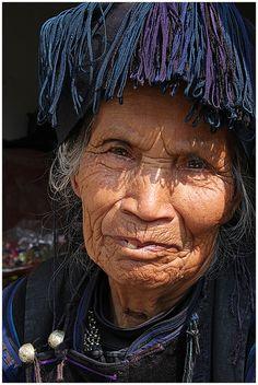Femme du Yunnan - China