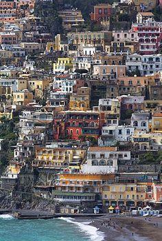 El pintoresco pueblo de Positano en acantilados en la costa de Amalfi (Costa Amalfitana), patrimonio de la humanidad, Campania, Italia, Mediterráneo, Europa
