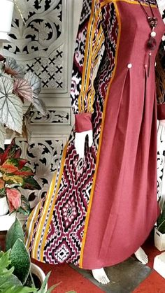 Street Hijab Fashion, Abaya Fashion, Muslim Fashion, Fashion Outfits, Dress Anak, Dress Pesta, Kebaya Dress, Hijab Dress, Dress Batik Kombinasi