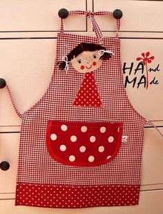apron for girls Sewing Class, Love Sewing, Sewing For Kids, Couture Bb, Childrens Aprons, Cute Aprons, Sewing Aprons, Apron Designs, Kids Apron
