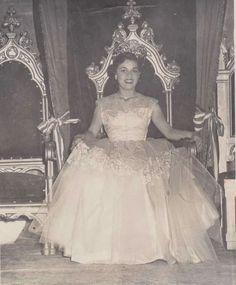 Del baul de la abuela: Matilde Marin ,Reina Universitaria y futura Diputada,sin fecha. -Facebook - mamá de Ana Istarú