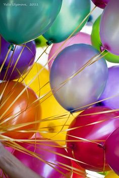 """Colorful, BALLOONS, always say, """"happy fun"""", about to happen. Get Balloons~ Birthday Wishes, Girl Birthday, Happy Birthday, Birthday Sentiments, Birthday Greetings, Bubble Balloons, Bubbles, Rainbow Balloons, Pink Balloons"""