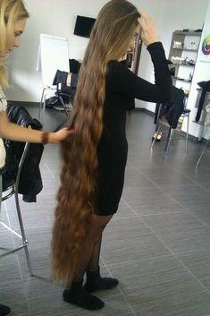 http://girls-very-long-hair.blogspot.com/2014/02/Long-hair-girl-shows-off-her-floor-length-hair.html