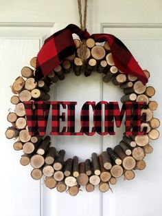 DIY log projects can be very creative and can give warm in your home. We found really interesting ideas how to make things out of logs. You can make