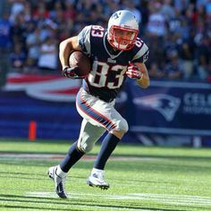 """""""Heading for the end zone!"""" #WesWelker #patriots"""