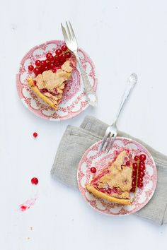 """Have you ever tasted a slice of fresh red currant cake? It's Liz from """"Food in Motion"""" and I'm happy to share my grandmother's Red Currant Cake recip Currant Recipes, Baking Recipes, Cake Recipes, Dessert Recipes, Dessert Bread, No Bake Desserts, Baking Desserts, Food Design, Bon Appetit"""