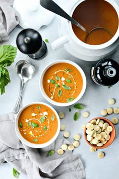 Roasted Tomato Pumpkin Soup l use two cans of whole tomato. Chop half an onion instead of shallots. Tomato Vegetable, Tomato Soup, Pumpkin Soup, Pumpkin Puree, Hot Soup, Roma Tomatoes, Roasted Tomatoes, Fresh Basil, Soups