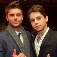 This picture is freaking GOLD!!! Love both of you!! Jake T. Austin & Zac Efron<3<3<333