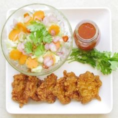 Thai Shrimp Cake- An effortless recipe to create this authentic Thai appetizer. Thai Appetizer, Easy Appetizer Recipes, Best Appetizers, Spicy Recipes, Seafood Recipes, Healthy Recipes, Yummy Recipes, Thai Cooking, Easy Cooking