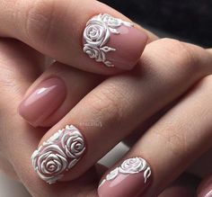 How beautiful ! I love these nails I wish I knew the credits to these !