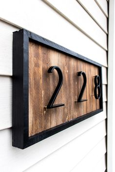 DIY a modern house number sign with wood shims to improve your curb appeal. This… DIY a modern house number sign with wood shims to. Diy Projects Using Wood, Home Projects, Do It Yourself Quotes, Address Plaque, Address Signs, Address Numbers, House Address Sign, Barndominium, Home Renovation