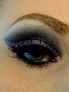 I love the purples and the dramatic liner on this eye. See more on my makeup blog! NEW Real Techniques brushes makeup -$10 http://youtu.be/6T4khkxlZgo #realtechniques #realtechniquesbrushes #makeup #makeupbrushes #makeupartist #makeupeye #eyemakeup #makeupeyes