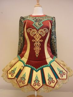Lots of patterns & colors going on here but tastefully done! #Irish_Dance Dress