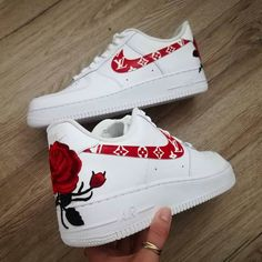 #Nike #roses #shoes #white