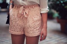 love lace and high waisted shorts and the bow c'mon so nice!