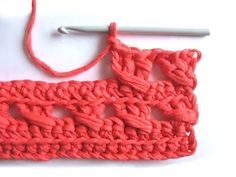 Crochet Stitch - Tutorial. Lost this pattern 20+ yrs ago-- it's really nice