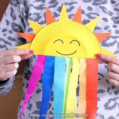 Welcome spring with this sweet paper plate sun and rainbow craft. Welcome spring with this sweet paper plate sun and rainbow craft. Polaczyc z chmurka do zajec o pogodzie Pappteller Sun und Rainbow Craft - Diy and Crafts YazYaz. Outstanding projects are o Spring Crafts For Kids, Diy Crafts For Kids, Fun Crafts, Art For Kids, Baby Crafts, Paper Plate Crafts For Kids, Simple Paper Crafts, Spring Crafts For Preschoolers, Crafts For The Home