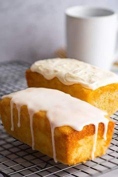 Small Lemon Pound Cake - The best (small-batch) Lemon Pound Cake with Cream Cheese Glaze or Sweet-tart Lemon Glaze. Pound Cake Glaze, Glaze For Cake, Lemon Glaze Cake, Lemon Loaf Cake, Lemon Desserts, Lemon Recipes, Dessert Recipes, Cupcake Recipes, Mini Cakes