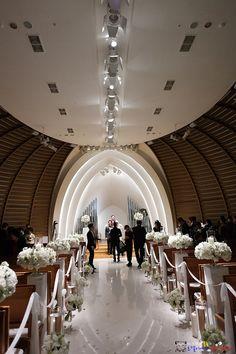 """꽤나 유명한 곳이라더군요.  결혼 적령기를 넘긴 사무실 팀원에게 물으니 금새 압니다. 저야 뭐 이름을 들은 적도 없었습니다......   서울 강남의 대표 전문웨딩홀,   """"파티오나인 Patio 9"""""""