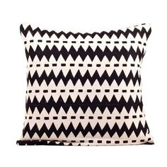 Wavy Pillow 40x40 Black, 35€, now featured on Fab.