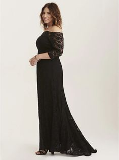 Plus Size Special Occasion Black Lace Off Shoulder Gown, DEEP BLACK Not sure one the dress sizes cuz I've never tried them on but I would assume an 18 Navy Lace Midi Dress, White Lace Gown, Chiffon Maxi Dress, Dress Black, Plus Size Black Dresses, Off Shoulder Gown, Modelos Plus Size, Gala Dresses, Bride Dresses